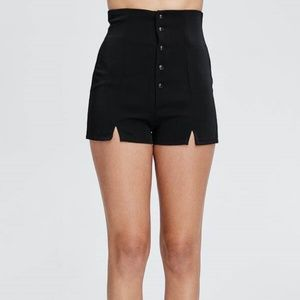 Highwaist button up shorts